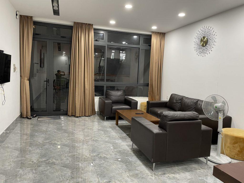 Cho thuê nhà khu đô thị vạn phúc đầy đủ nội thất